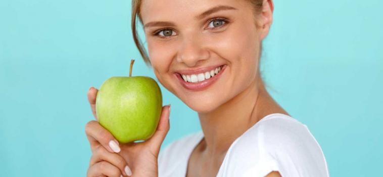Mangiare bene per la tua salute orale e non solo