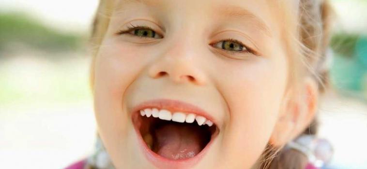 Deglutizione atipica infantile: cos'è e come riconoscerla?